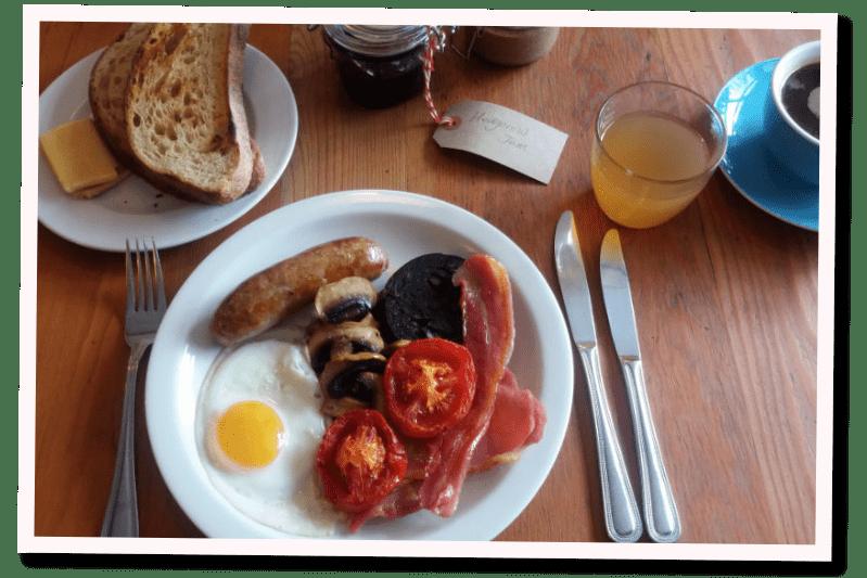 Breakfast at Bridge House Bampton